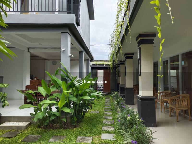 Di jual guest house 2 lantai berada dilingkungan yang nyaman dan istimewa #105391497