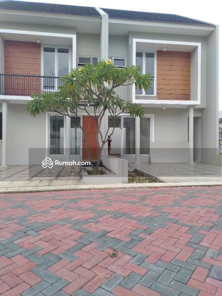 Rumah Baru 2 Lantai dekat Exit Tol Jatiwaringin di Jatiwaringin Jakarta Timur #105408589