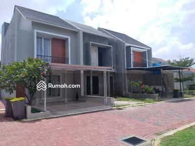 Dijual - Rumah Baru 2 Lantai dekat Exit Tol Jatiwaringin di Jatiwaringin Jakarta Timur