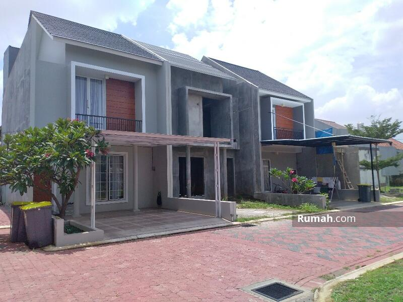 Rumah Baru 2 Lantai dekat Exit Tol Jatiwaringin di Jatiwaringin Jakarta Timur #105408595