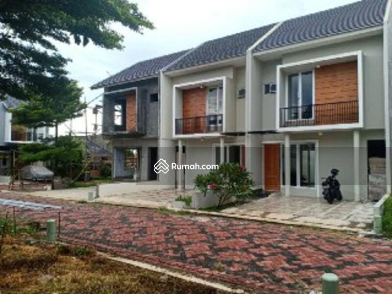 Rumah Baru 2 Lantai dekat Exit Tol Jatiwaringin di Jatiwaringin Jakarta Timur #105408599
