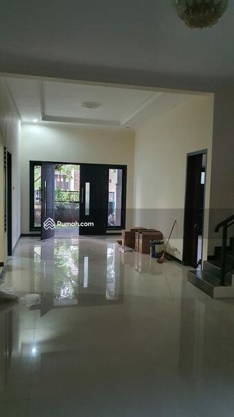 Disewa Rumah Woodland Citraland, Minimalis , Surabaya Barat #105485479