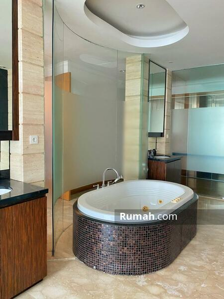 For Rent 3BR Apartement Kempinski Private Residence #105489609