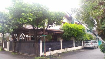 Dijual - Di jual rumah 2 lantai hoek di Pondok Kelapa, Jakarta Timur.