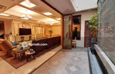 Dijual - Rumah di Jalan Plaju LT 700 m2 LB 2000 m2 harga Rp 95 Milyar