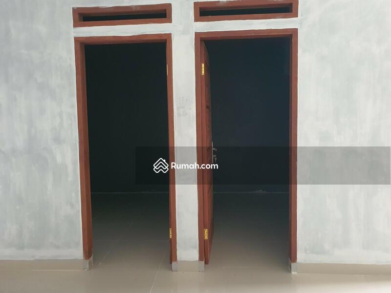 Rumah siap huni di Medan Johor karya wisata type 65 tiga kamqr #105562699