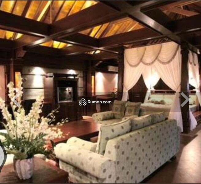 Villa besar dekat sama sama restoran #105570543