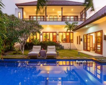 Dijual - Jsp 317-for sale luxury villa with modern style concept in jimbaran