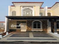 Dijual - Rumah siap huni 2 lantai type 2KT luas 90m 6x15 cluster la seine JGC Jakarta garden city cakung