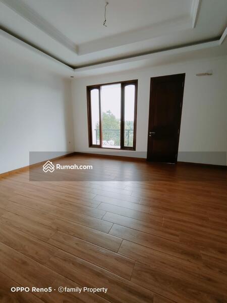 Rumah classic baru di area Petukangan M saidi Jakarta Selatan #105640285