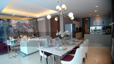 Dijual - Apartemen The Windsor Full Furnished 4 +1 Bed Room