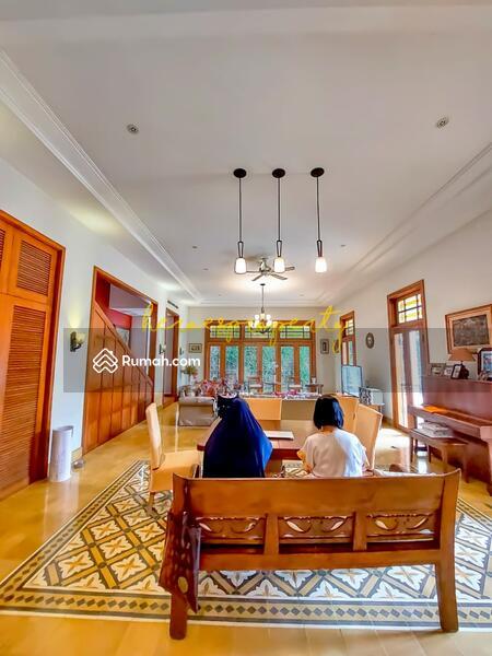 Bangka - Kemang Rumah Kolonial Klasik Mewah Desain Full Artistik Yang Langka di Jakarta #105738373