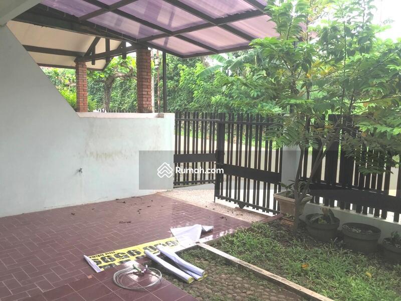Rumah Nyaman Depan Lap Tenis di Jl Bangka Megapolitan Cinere #105817323