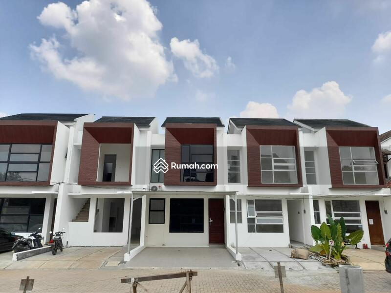 Rumah 2 Lantai Design Kekinian Dekat Tol Andara, Cinere #105860087