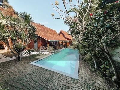 Dijual - Joglo Villa style for SALE in Pererenan - Canggu .