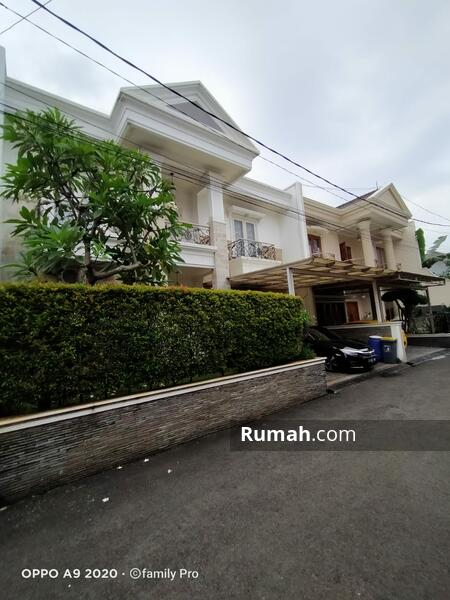 Rumah mewah dengan private swimpool, di jakarta selatan #105927825