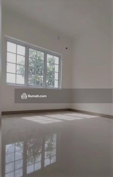 Hunian 2 lantai gaya American House hanya DP 10JT Free All In Biaya hanya 10 menit ke stasiun depok #105936531