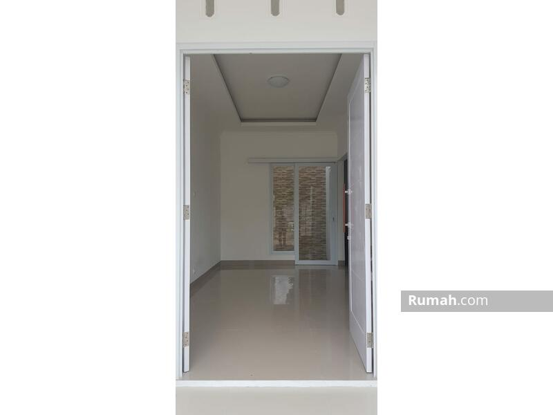 Hunian 2 lantai gaya American House hanya DP 10JT Free All In Biaya hanya 10 menit ke stasiun depok #105936549
