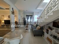 Dijual - Rumah cantik dan terawat 2 lantai luas 7x17 119m2 type 3KT Cluster Acacia Sumbek Summarecon Bekasi