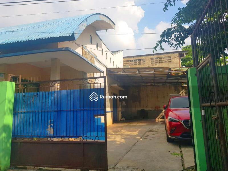 RUMAH DI CIJANTUNG JAKARTA TIMUR #106069933