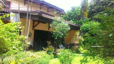 Dijual - 6 Bedrooms Rumah Kav. Polri, Jakarta Selatan, DKI Jakarta