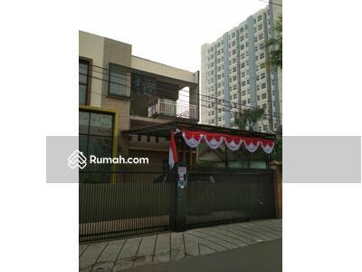 Dijual - Rumah mewah dua lantai dekat bandara halim dan tol cawang