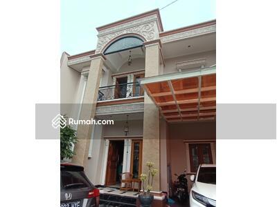 Dijual - Rumah modern mewah murah, seberang TMII, Jakarta Timur