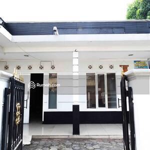 Dijual - Dijual Rumah Kost 19 Kamar di Utan Kayu Selatan