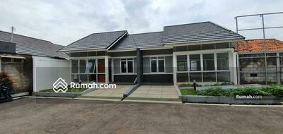 Dijual - HEMAT HINGGA PULUHAN JUTA FREE PPN! !  Rumah Baru Ready Stok di Antapani