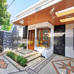 Dijual - Rumah luas ideal di bandung selatan
