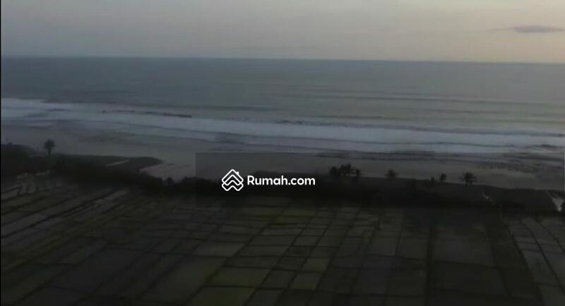 Tanah lost pantai pasut Tabanan #106251989