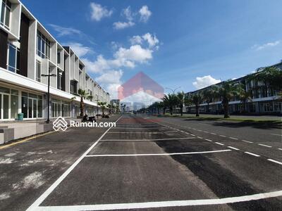 Disewa - Lokasi Paling Depan Ruko Northwest Boulevard 3 Lantai BARU