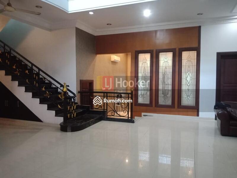Sewa Rumah Siap Huni,Modern Minimalis dan Nyaman Jl. Seroja Semarang Tengah-5826 #106278923