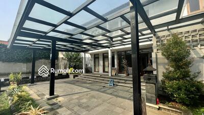 Dijual - GEDUNG KOMERSIAL TEBET RAYA - Luas Tanah 1. 039 m2