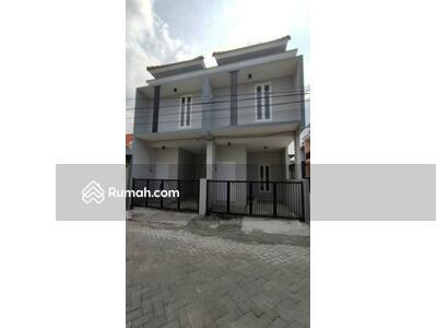 Dijual - Rumah Surabaya Timur 3 Kamar 2 Lantai hanya 500 Jutaan, surat SHM dekat MERR, Galaxy Mall, Pintu tol