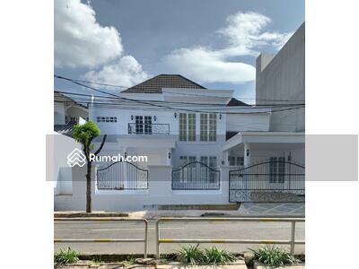 Dijual - Rumah gaya classic modern di Bintaro Jaya Sektor 9