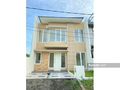 Dijual - Rumah Baru dengan pencahayaan dan penghawaan maksimal. Citraland Surabaya Barat