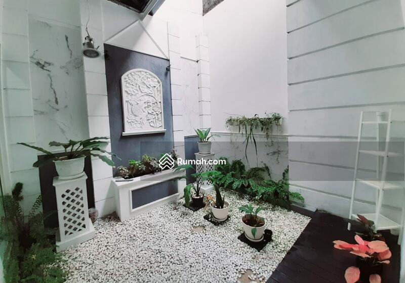 Rumah Siap Huni di Kebayoran Essence (M) #106468027