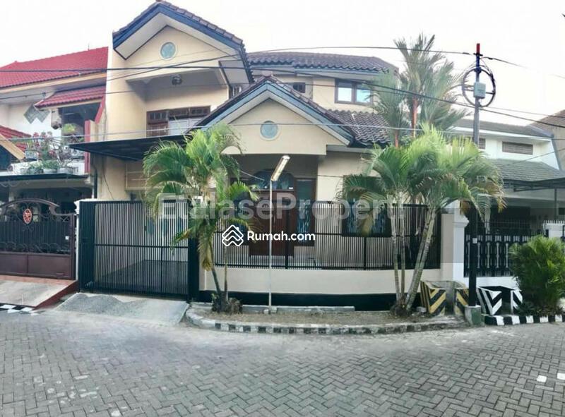 Rumah Bagus Terawat Di Simpang Darmo Permai #106500601