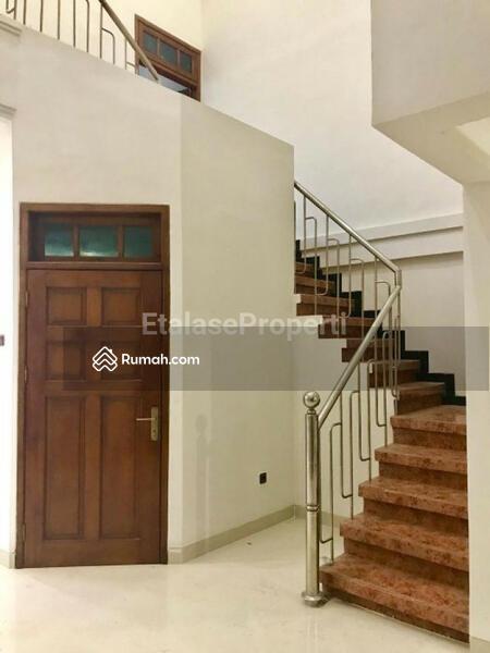 Rumah Bagus Terawat Di Simpang Darmo Permai #106500621