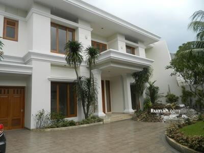 Disewa - Beautiful Bright House With Beautiful S. Pool and Garden