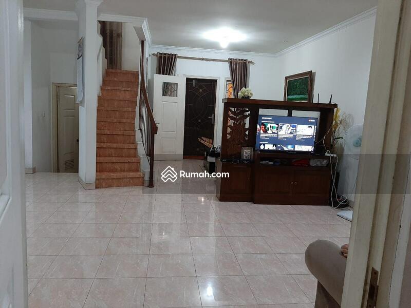 Dijual Rumah Second Siap huni Terawat di Raffles Hills Cibubur Bekasi #106651743
