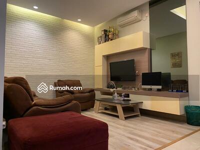Dijual - Rumah Keren, Desain Elegant, Siap Huni, Di Cluster Discovery Bintaro
