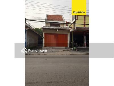 Disewa - Disewakan Ruko 2 lantai di Jalan Raya Menganti Wiyung, Surabaya