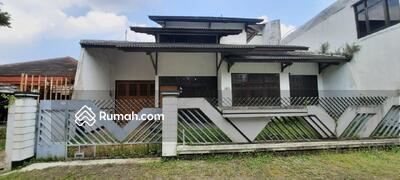 Dijual - DIJUAL Bangunan Rumah Tinggal Idaman  1, 5 lantai di Karanglo Malang