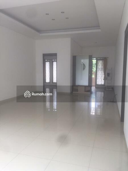 Rumah Singgasana pradana #107070647