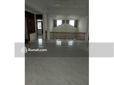 Dijual - Dijual rumah di Cipete LT 463 m2 LB 310 m2 Harga 10, 5 M