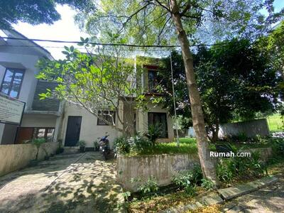 Dijual - Rumah halaman luas dalam komplek elite cinere dekat tol krukut