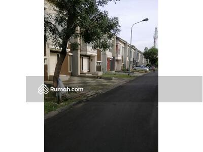 Dijual - Rumah 2 lantai Navara by modernland