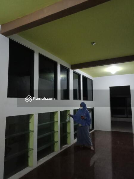 Rumah minimalis 3 lantai #107352847